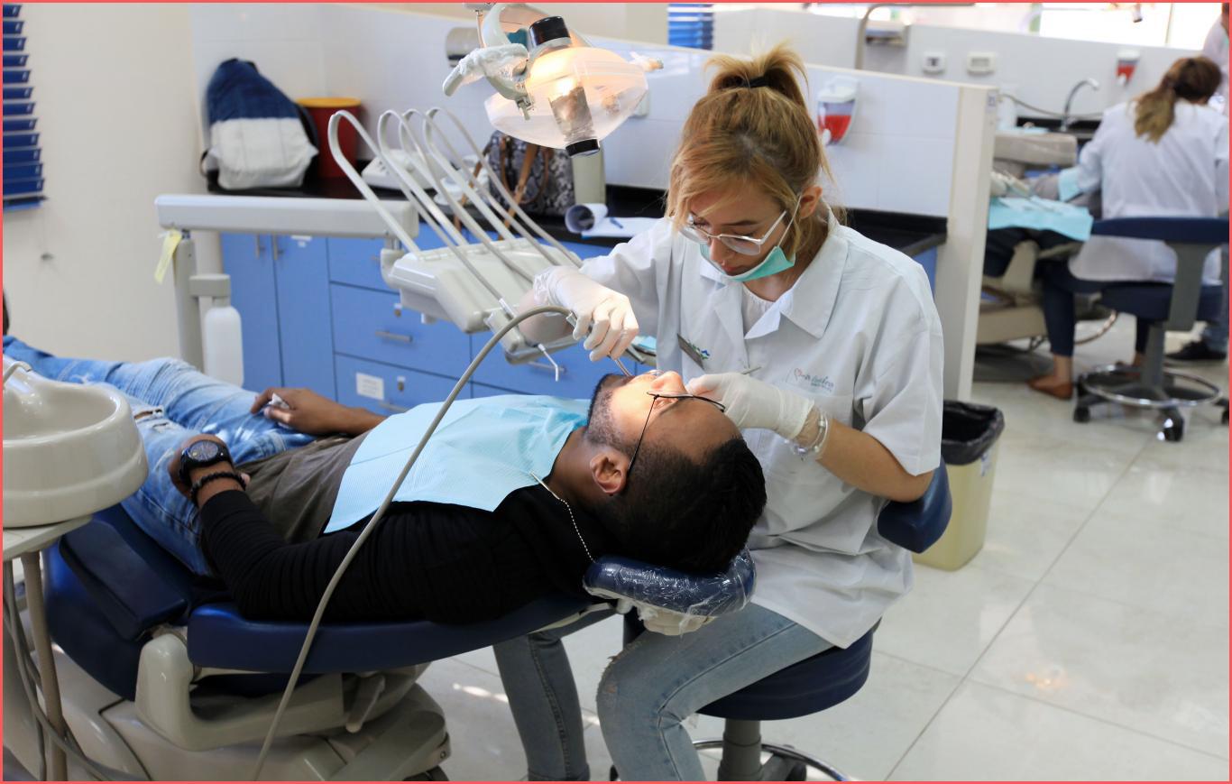 تكاليف دراسة طب الاسنان في تركيا دليل كامل