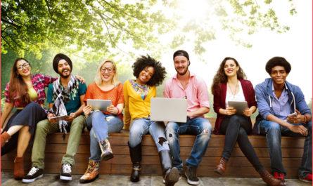 تعرف على الجامعة الافتراضية الكندية ومميزات الدراسة عن بعد مجانا في كندا