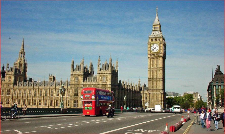 الدراسة في بريطانيا مجانا .. أهم 7 منح مجانية في بريطانيا