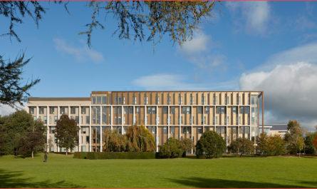 جامعة باث .. كيفية الحصول على القبول لدراسة البكالوريوس - الماجستير - الدكتوراه
