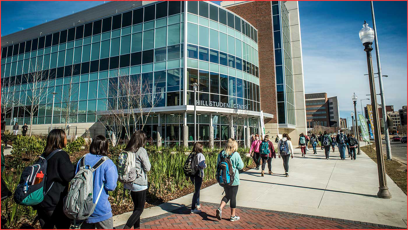 جامعة برمنغهام ... ملف شامل للطلاب الدوليين عن الدراسة في Birmingham City University