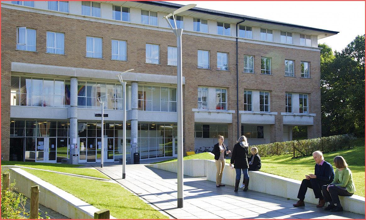 جامعة لانكستر .. أسهل طريقة للتسجيل في الجامعة